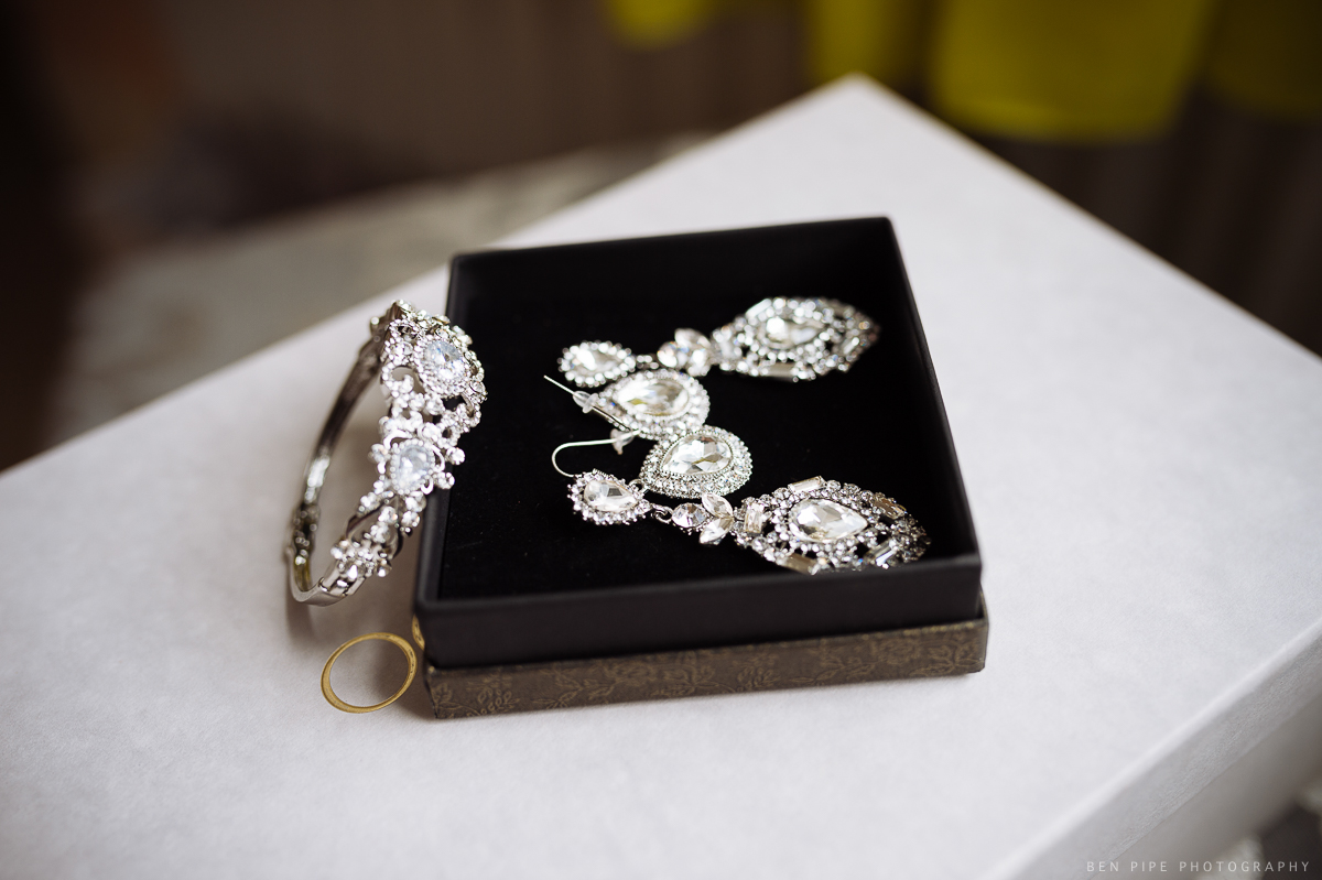 wedding preparations brides jewellery london