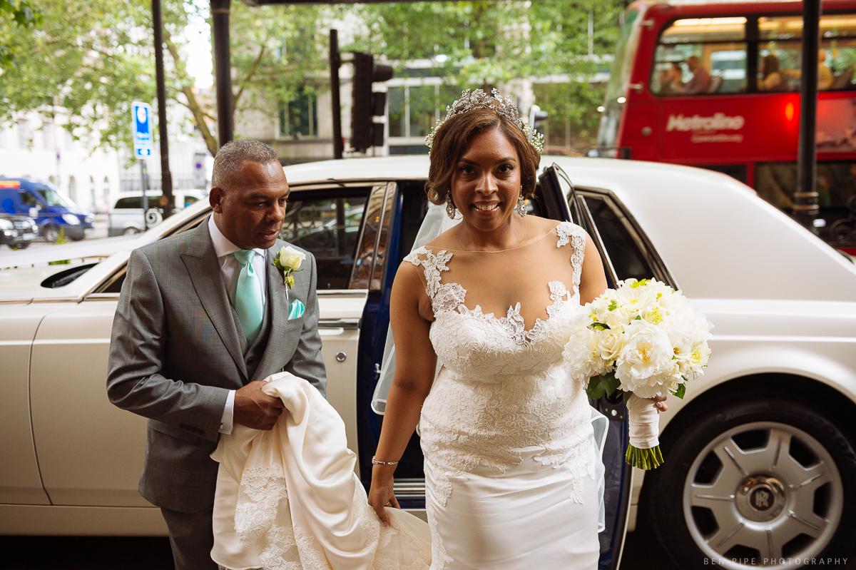 bride landmark hotel london wedding